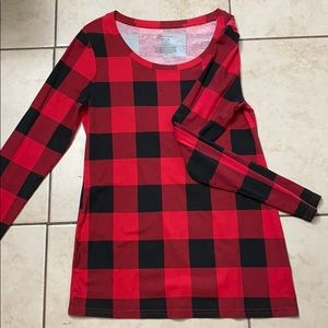 Black and red plaid long sleeve shirt